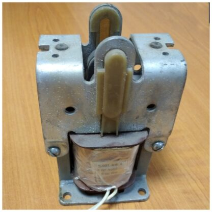 ЭМ33-61111 электромагнит на 220В ПВ-100%